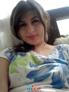 girls whatsapp numbers 6 225x300 - Girls Whatsapp Dating Numbers For Chat And Friendship